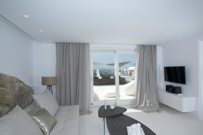 Mykonos Suite with Pool